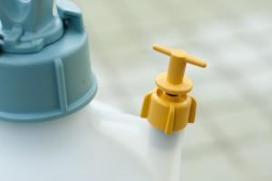 蓄圧式噴霧器の安全弁